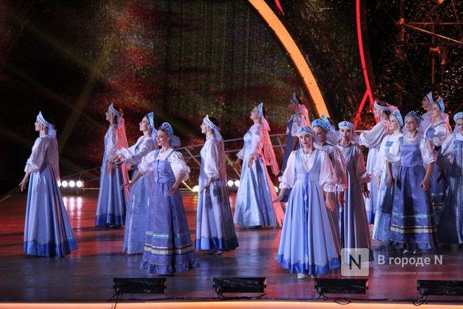 Огонь, вода и звезды эстрады: Как прошло гала-шоу 800-летия Нижнего Новгорода - фото 87