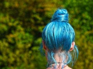 Школьницу с синими волосами не пустили на линейку 1 сентября