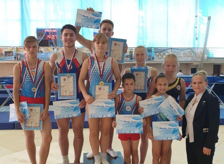 Пятеро нижегородцев завоевали медали на батутных соревнованиях в Петербурге - фото 1