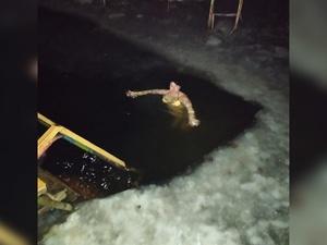 Из-за тонкого льда спускаться в прорубь на Крещение сормовичи будут с берега