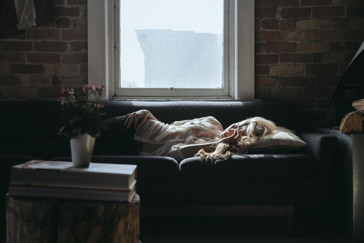 Что происходит с организмом при стрессе во время самоизоляции и как с этим справляться
