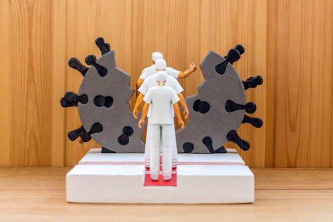 Нижегородец победил в конкурсе памятников врачам-героям пандемии коронавируса - фото 4