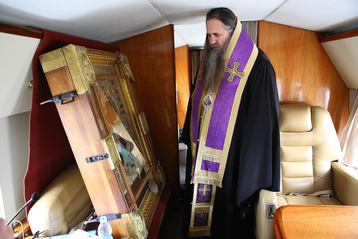 Митрополит Георгий совершил на вертолете крестный ход против коронавируса вокруг Нижегородской области - фото 1