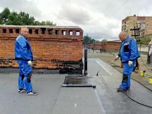 Крыши на двух домах в Московском районе отремонтируют раньше срока