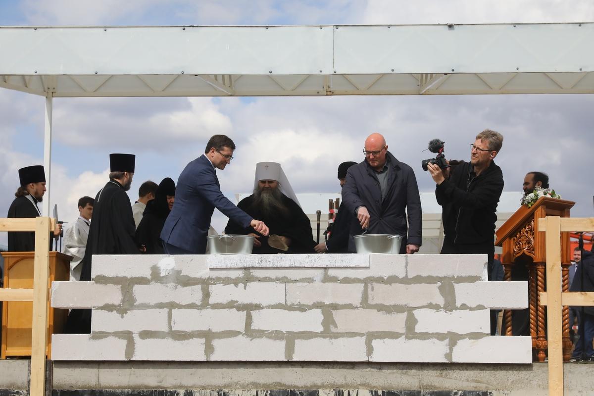 Капсулу в основание будущего духовно-просветительского центра заложили в Дивееве - фото 1