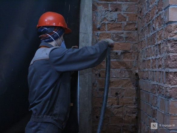 Инъекция для стен: как идет реставрация фасада нижегородской фабрики «Маяк» - фото 50