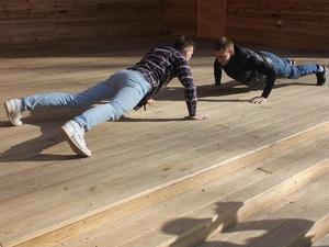Спортивный флешмоб с отжиманиями запустили жители Выксы