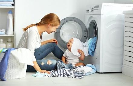 Родителям на заметку: какие порошки помогут отстирать чернила и другие «трудные» пятна