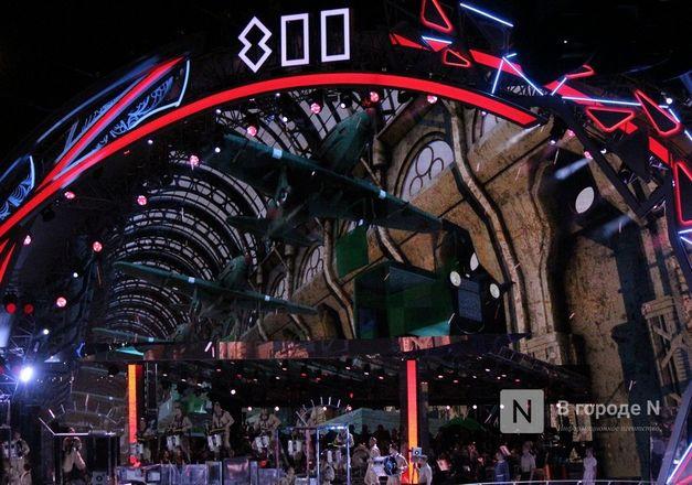 Огонь, вода и звезды эстрады: Как прошло гала-шоу 800-летия Нижнего Новгорода - фото 93