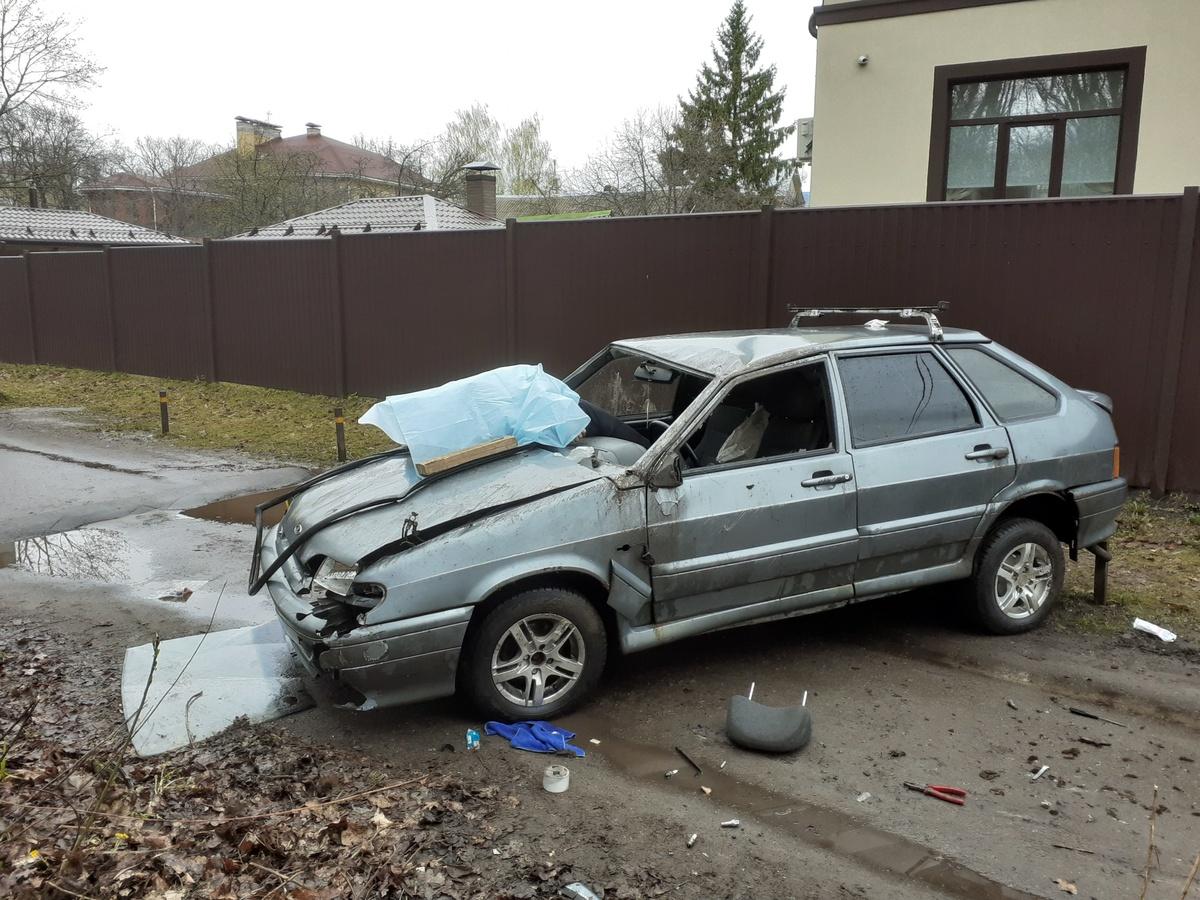 Один человек погиб в опрокинувшейся в кювет машине в Нижнем Новгороде - фото 1