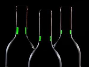 Как накануне Нового года определить, поддельный алкоголь или нет