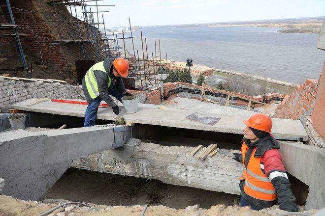 Реконструкция Чкаловской лестницы выполнена на 65% - фото 2