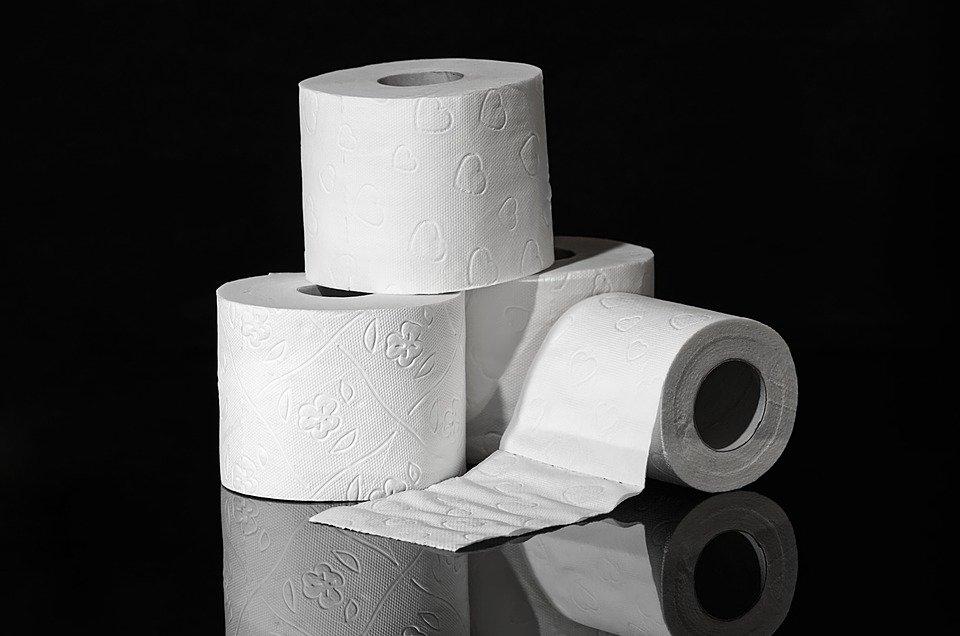 Можно ли смывать в унитаз туалетную бумагу? - фото 1