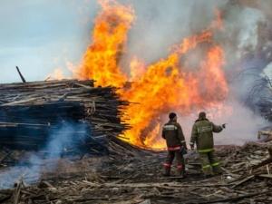 В Тонкино сгорела пилорама на площади 800 квадратных метров