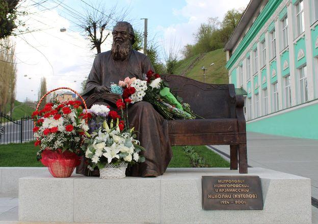 Памятник митрополиту Николаю появился в Нижнем Новгороде - фото 9