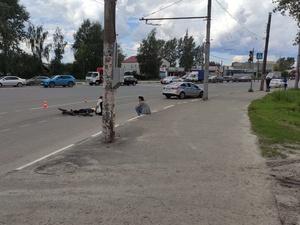 Велосипедист погиб на Кузбасской после наезда фуры
