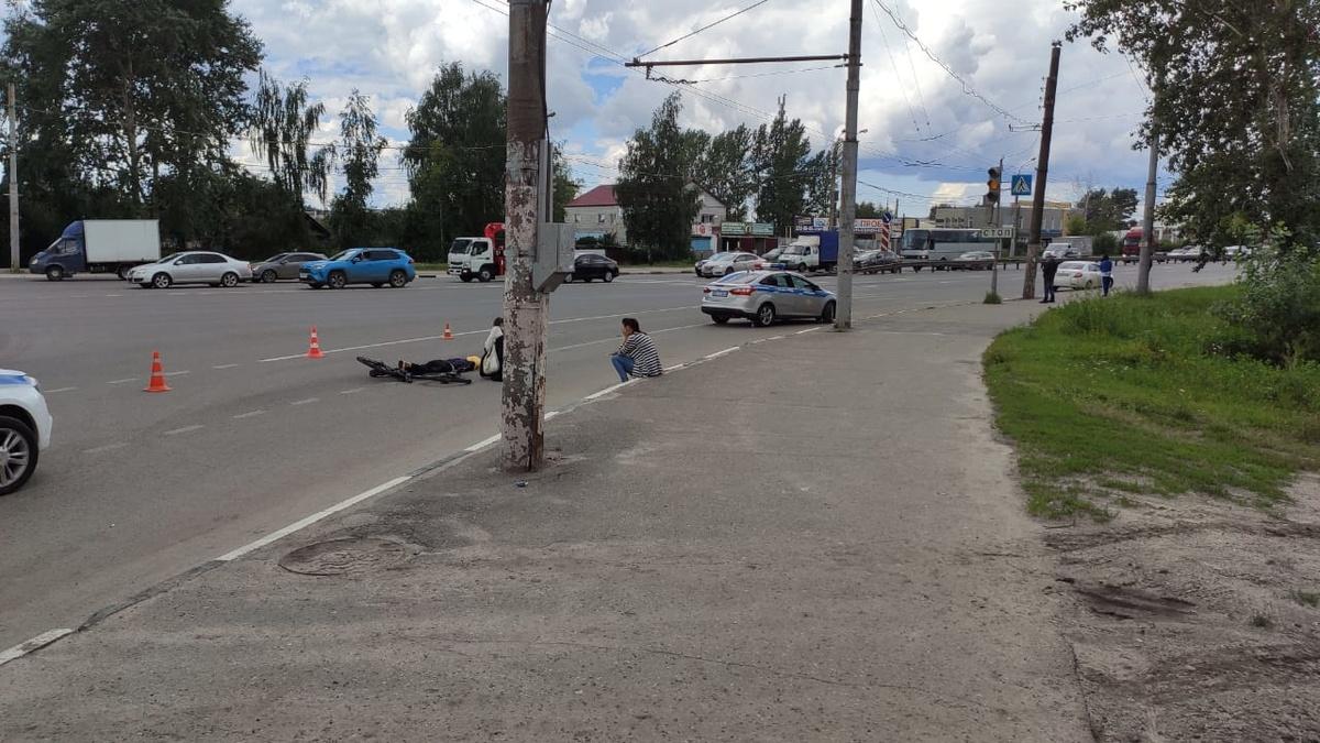 Велосипедист погиб на Кузбасской после наезда фуры - фото 1