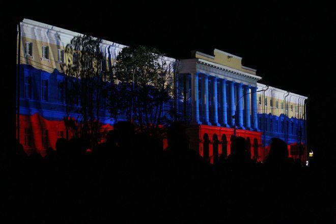 Полина Гагарина спела для нижегородцев в День России - фото 12