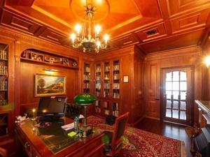 Пятикомнатную квартиру за 41,5 млн рублей продают в центре Нижнего Новгорода