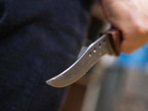 Грабитель-рецидивист зарезал продавца магазина в Урене