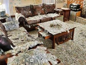 Bloomberg назвал самую богатую семью в мире