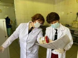 Роспотребнадзор проводит проверку в дзержинской школе, где отравились дети